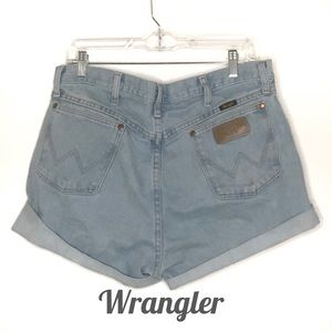 Wrangler high waisted mom cut off jean shorts